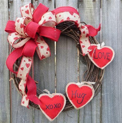 Awesome Burlap Valentine Decorations Ideas 36