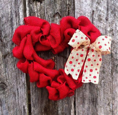 Awesome Burlap Valentine Decorations Ideas 40