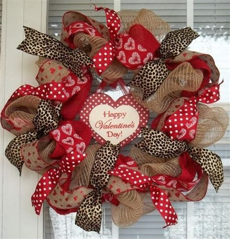 Awesome Burlap Valentine Decorations Ideas 42