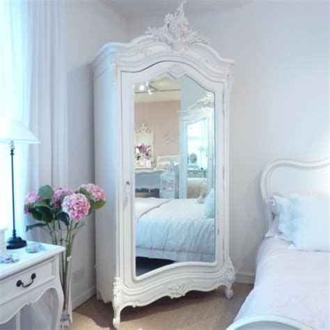 Awesome French Shabby Chic Interiors Ideas 07