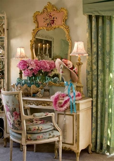Awesome French Shabby Chic Interiors Ideas 08
