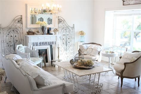 Awesome French Shabby Chic Interiors Ideas 11