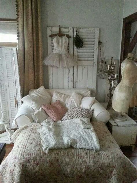 Awesome French Shabby Chic Interiors Ideas 15