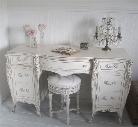Awesome French Shabby Chic Interiors Ideas 19