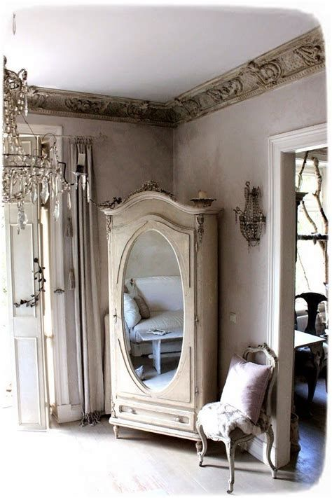 Awesome French Shabby Chic Interiors Ideas 31