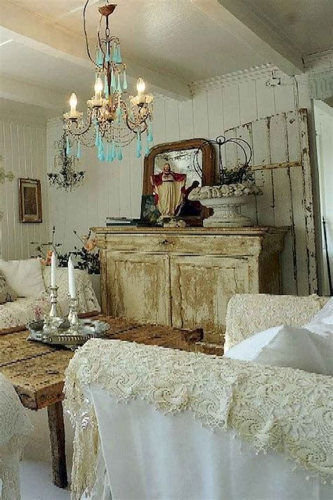 Awesome French Shabby Chic Interiors Ideas 39