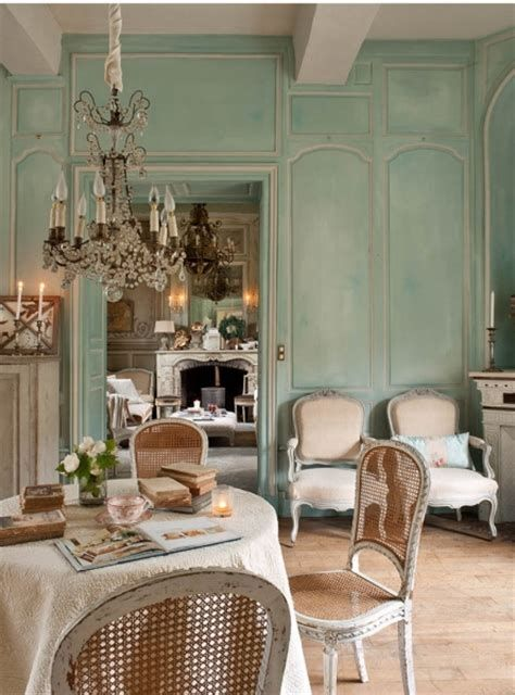 Awesome French Shabby Chic Interiors Ideas 44