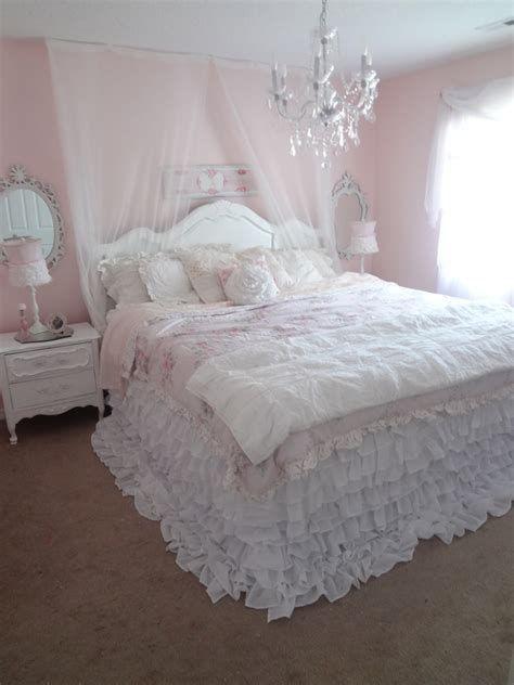 Beautiful Shabby Chic Baby Bedroom Ideas 04