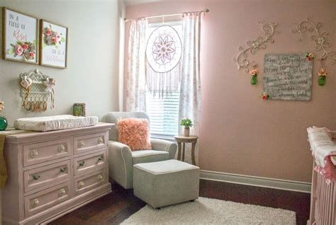 Beautiful Shabby Chic Baby Bedroom Ideas 30