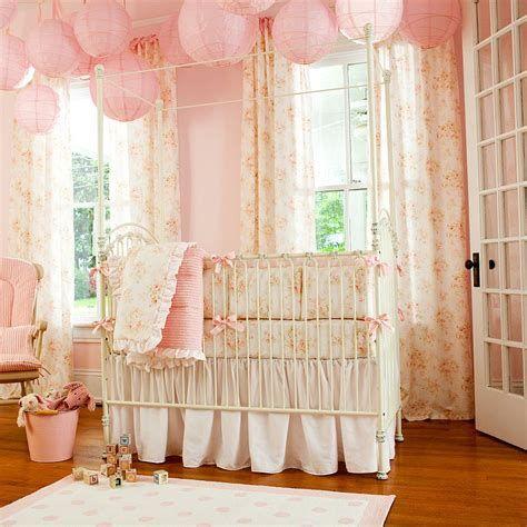 Beautiful Shabby Chic Baby Bedroom Ideas 45