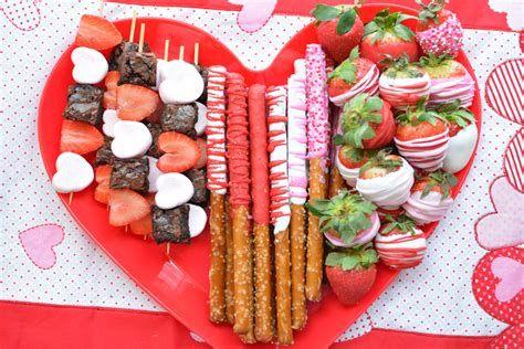 Classy Inexpensive Valentine Decorations Ideas 02