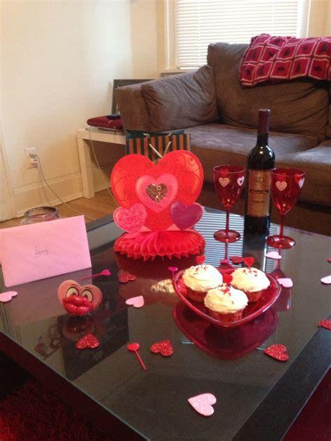 Classy Inexpensive Valentine Decorations Ideas 06