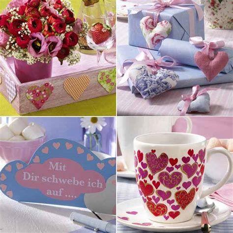 Classy Inexpensive Valentine Decorations Ideas 12