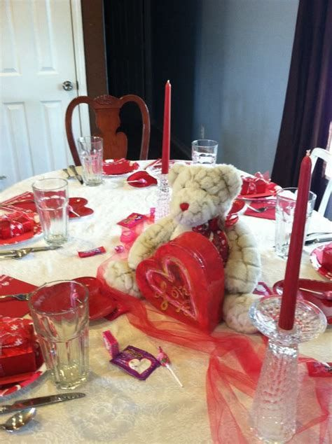 Classy Inexpensive Valentine Decorations Ideas 33