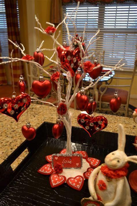 Classy Inexpensive Valentine Decorations Ideas 34