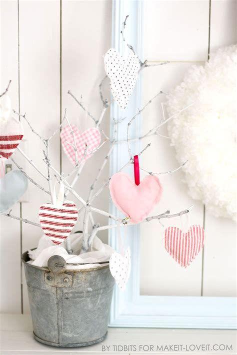 Classy Inexpensive Valentine Decorations Ideas 44