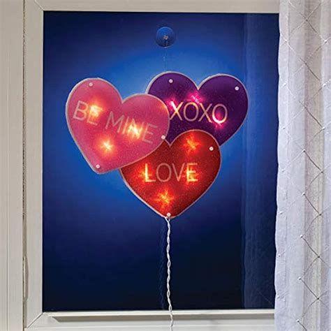 Comfy Lighted Valentine Window Decorations Ideas 06