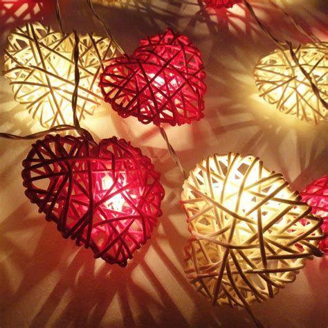 Comfy Lighted Valentine Window Decorations Ideas 09