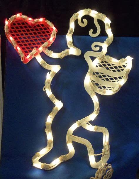 Comfy Lighted Valentine Window Decorations Ideas 17