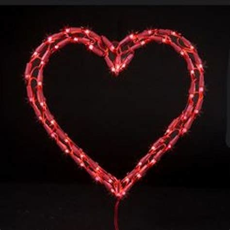 Comfy Lighted Valentine Window Decorations Ideas 19