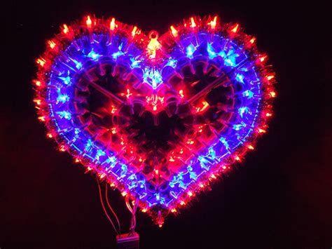 Comfy Lighted Valentine Window Decorations Ideas 23