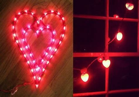 Comfy Lighted Valentine Window Decorations Ideas 24