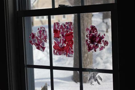 Comfy Lighted Valentine Window Decorations Ideas 26