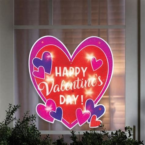 Comfy Lighted Valentine Window Decorations Ideas 27