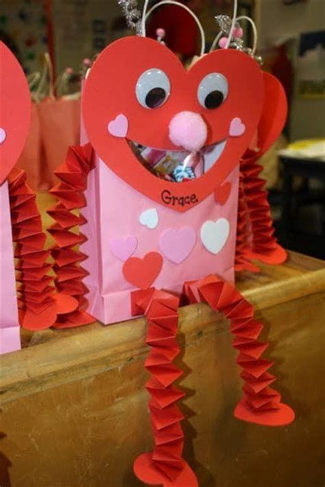 Cool Printable Valentine Bag Decorations Ideas 19