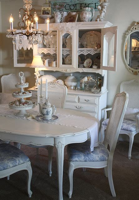 Cozy Shabby Chic Cafe Furniture Ideas 23