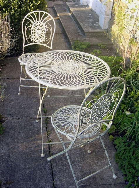Cozy Shabby Chic Cafe Furniture Ideas 29