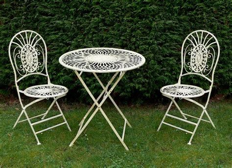 Cozy Shabby Chic Cafe Furniture Ideas 32