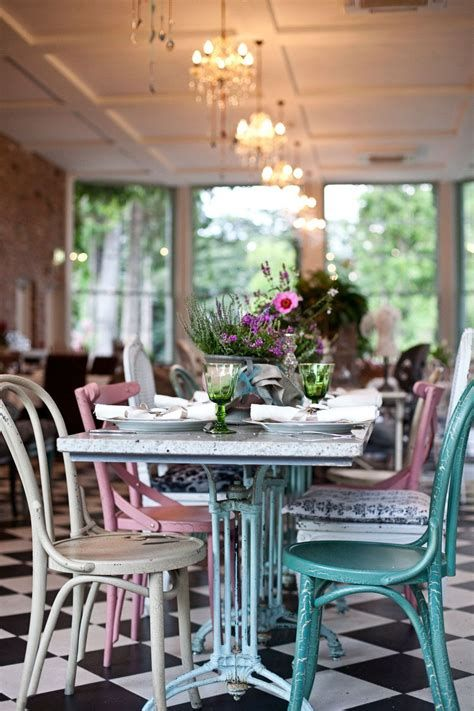 Cozy Shabby Chic Cafe Furniture Ideas 44