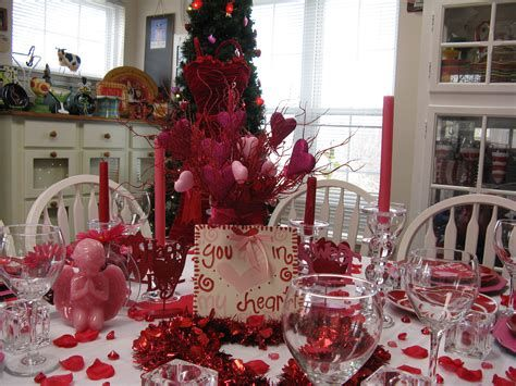Easy Valentine Dinner Table Decorations Ideas 03