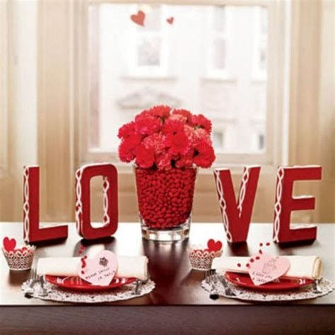 Easy Valentine Dinner Table Decorations Ideas 04