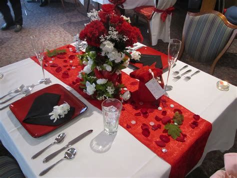 Easy Valentine Dinner Table Decorations Ideas 05