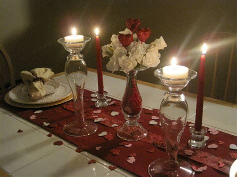 Easy Valentine Dinner Table Decorations Ideas 14