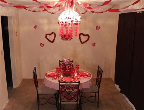 Easy Valentine Dinner Table Decorations Ideas 18