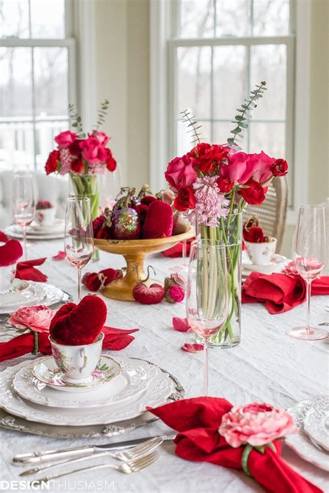 Easy Valentine Dinner Table Decorations Ideas 21