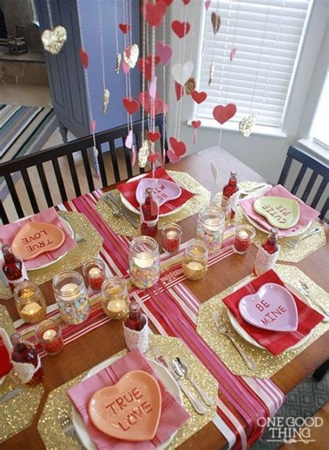 Easy Valentine Dinner Table Decorations Ideas 23