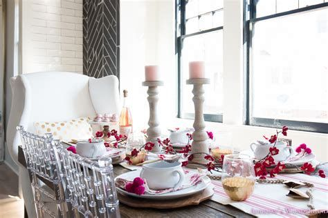 Easy Valentine Dinner Table Decorations Ideas 24