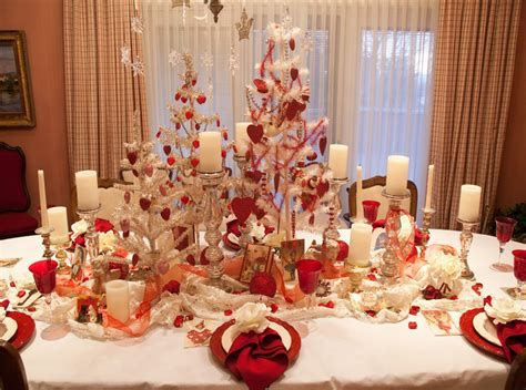 Easy Valentine Dinner Table Decorations Ideas 28