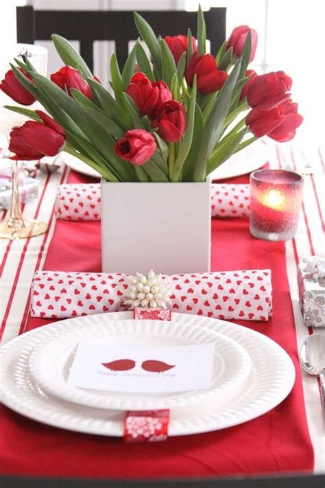 Easy Valentine Dinner Table Decorations Ideas 29