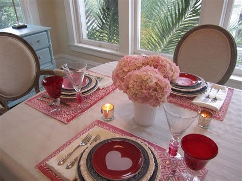 Easy Valentine Dinner Table Decorations Ideas 31