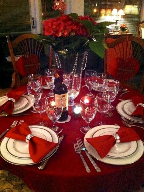 Easy Valentine Dinner Table Decorations Ideas 33