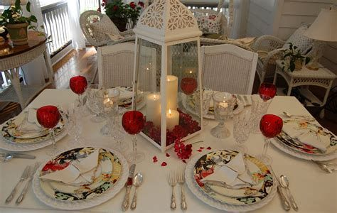 Easy Valentine Dinner Table Decorations Ideas 36