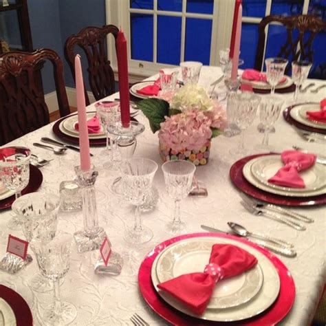 Easy Valentine Dinner Table Decorations Ideas 38