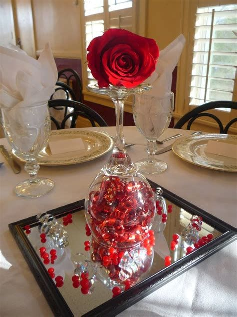 Easy Valentine Dinner Table Decorations Ideas 39