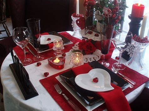 Easy Valentine Dinner Table Decorations Ideas 41