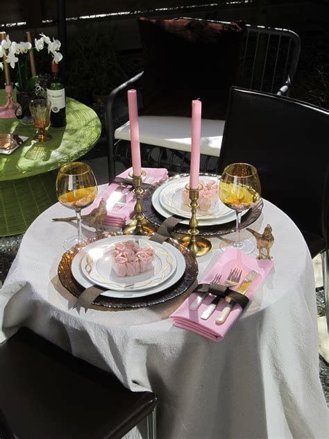 Easy Valentine Dinner Table Decorations Ideas 43